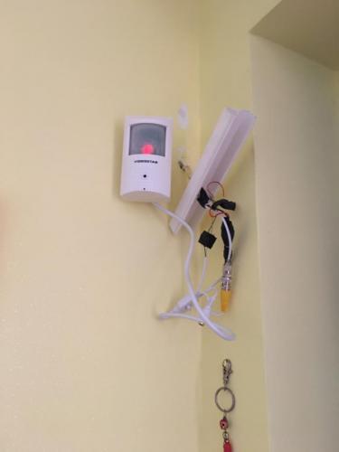 sensore-allarme-con-micro-telecamera