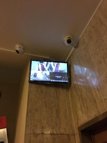 telecamere-e-monitor-in-condominio
